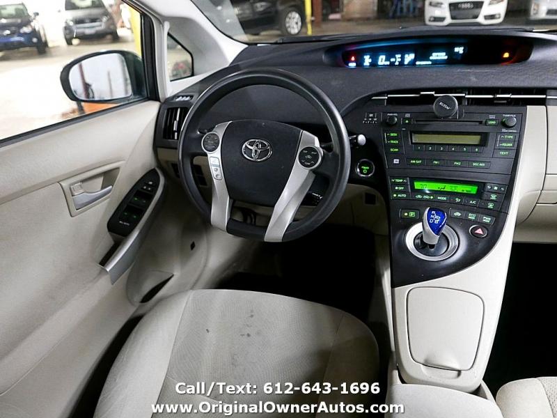 Toyota Prius 2010 price $3,895