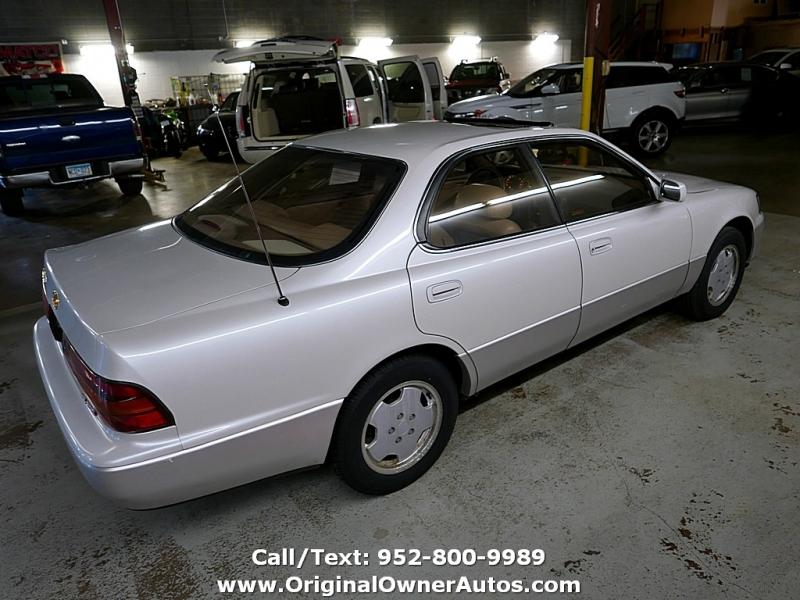 Lexus ES 300 1994 price $3,250