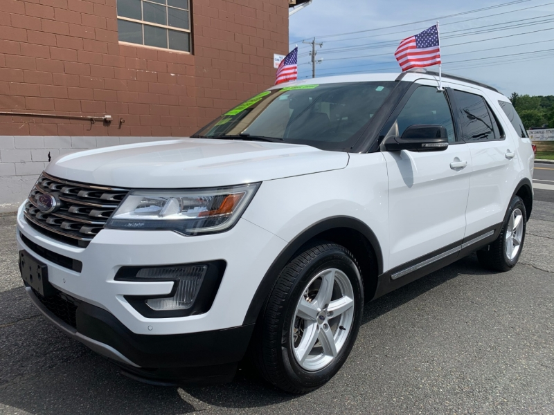 Ford Explorer 2017 price $27,995