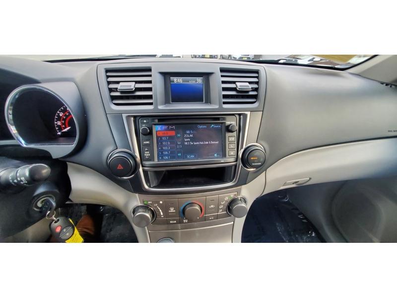 Toyota Highlander 2013 price $13,500