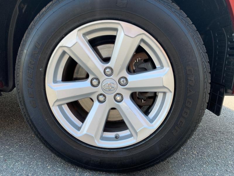 Toyota Highlander 2010 price $12,995
