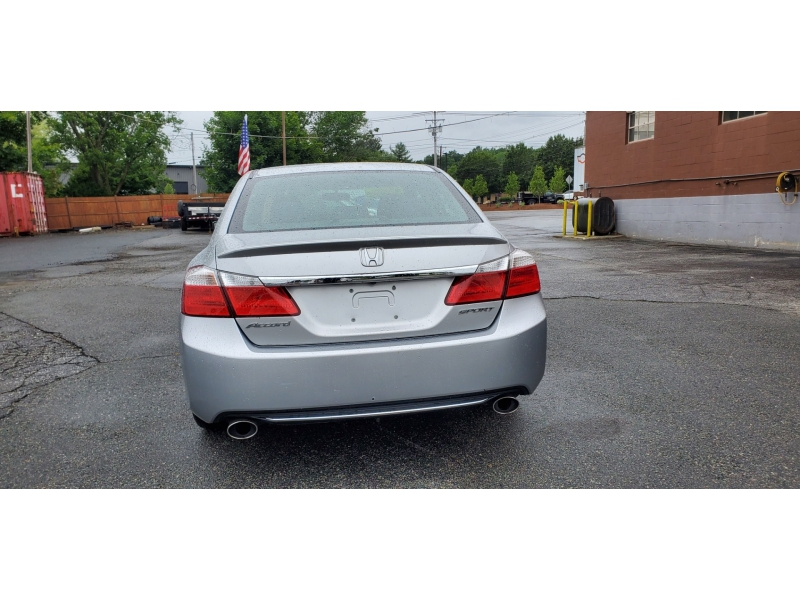 Honda Accord Sdn 2013 price $13,200
