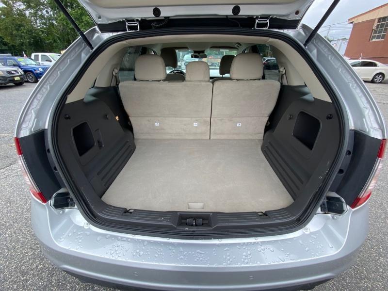Ford Edge 2012 price $11,400
