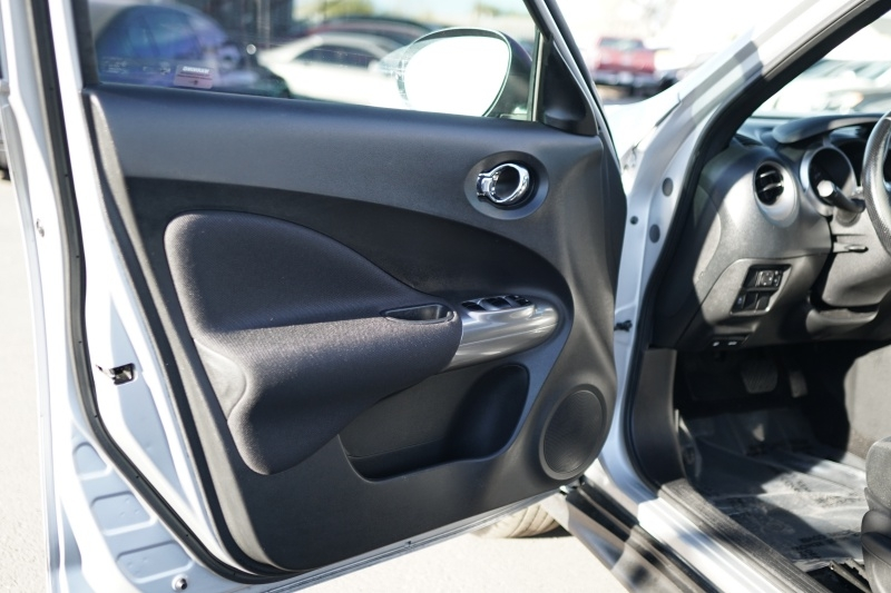 Nissan Juke SV 2013 price $8,400 Cash