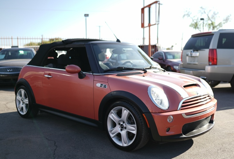Mini Cooper 2006 price $5,900 Cash