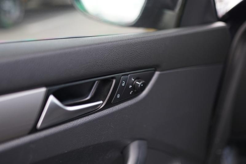 Volkswagen Passat 2012 price $6,400 Cash