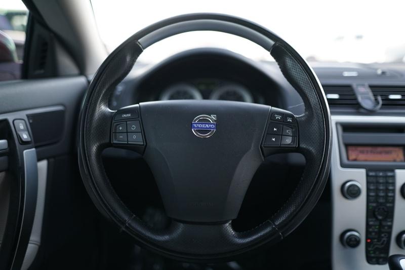 Volvo C70 2011 price $9,400 Cash