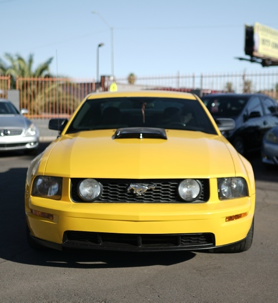 Ford Mustang 2006 price $10,900 Cash