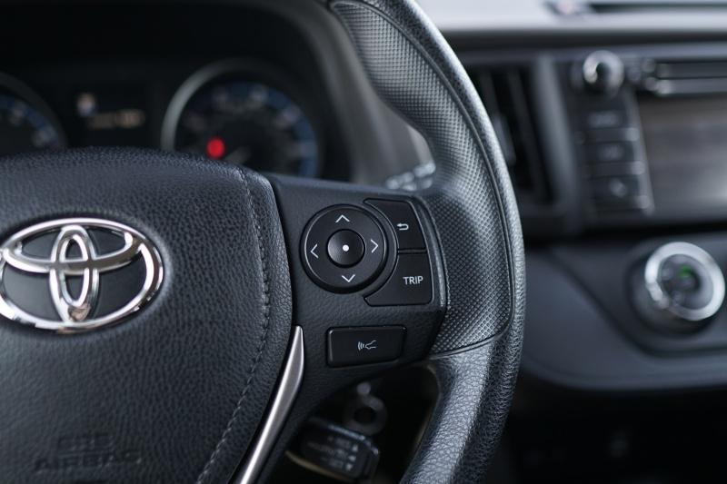 Toyota RAV4 2018 price $21,900 Cash