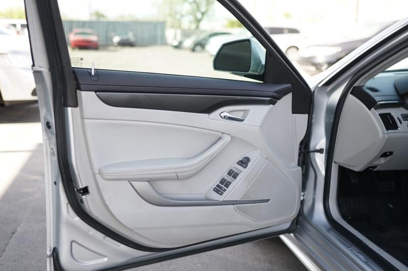 Cadillac CTS Sedan 2011 price $8,900 Cash