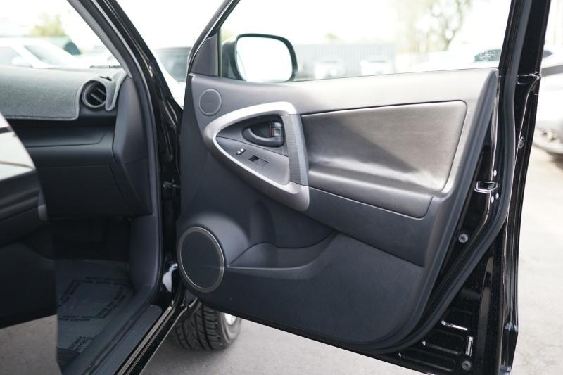 Toyota RAV4 2008 price $18,900 Cash