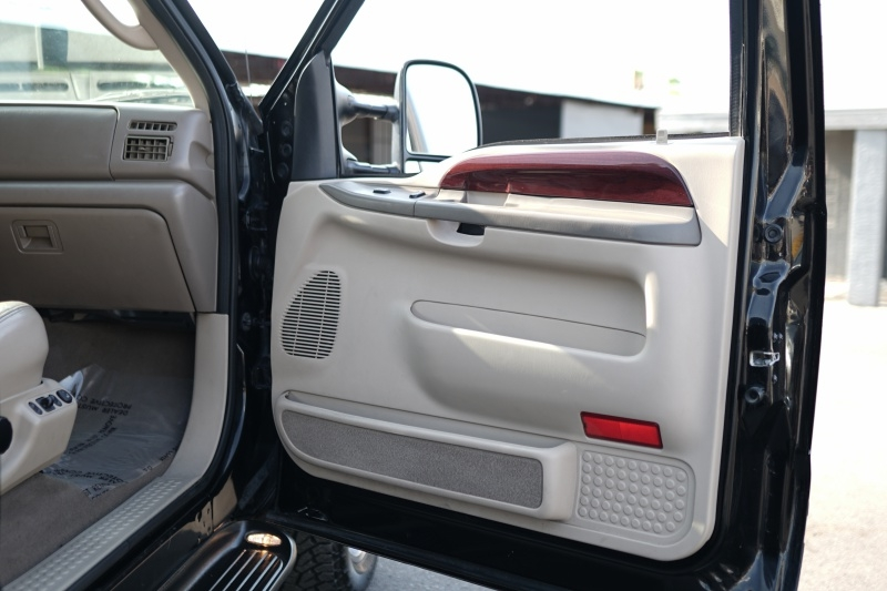 Ford Excursion Limited 2004 price $19,900 Cash