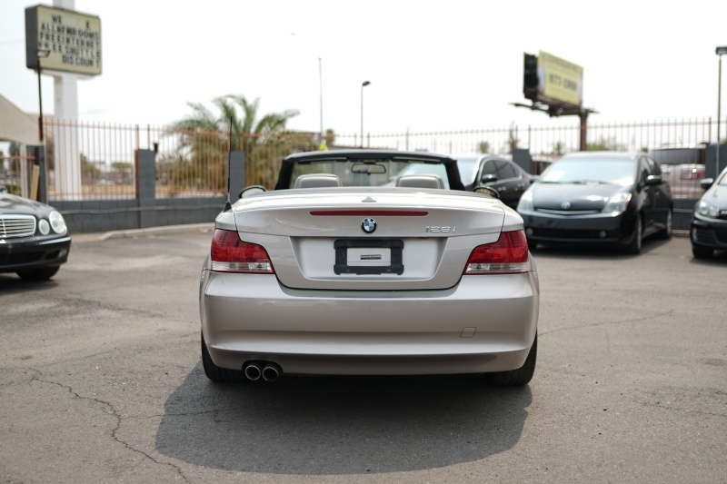 BMW 128i 2008 price $9,400 Cash