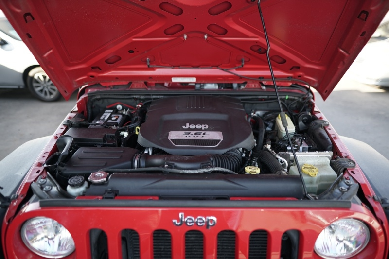 Jeep Wrangler Unlimited 2013 price $31,900 Cash