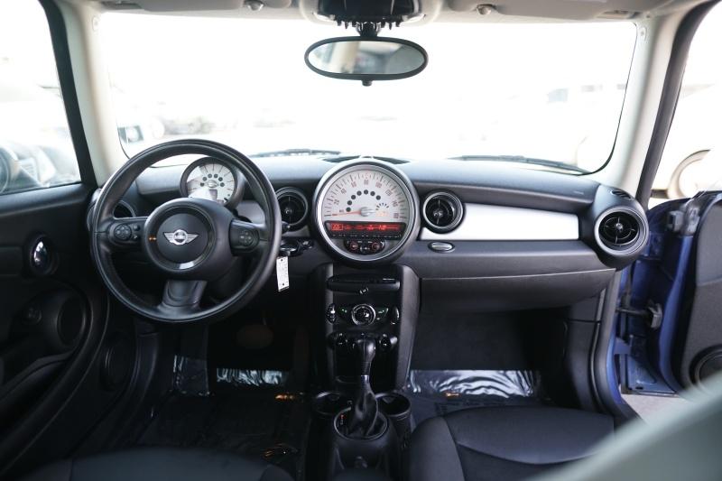 Mini Cooper 2012 price $8,900 Cash