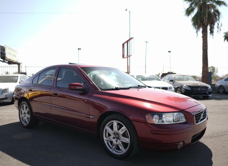 Volvo S60 2005 price $5,900 Cash