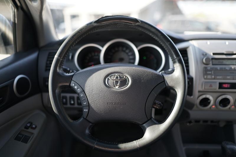 Toyota Tacoma 2009 price $18,900 Cash