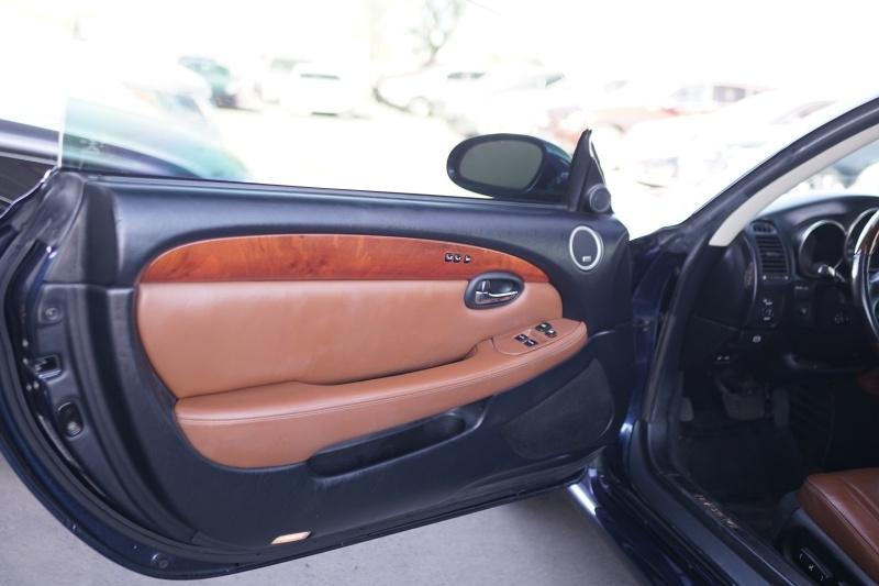 Lexus SC430 2004 price $12,900 Cash