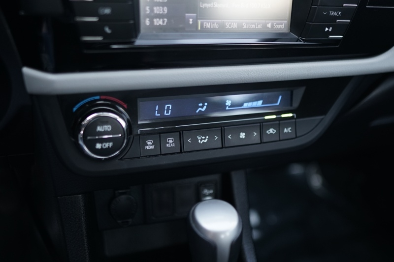 Toyota Corolla 2014 price $8,900 Cash