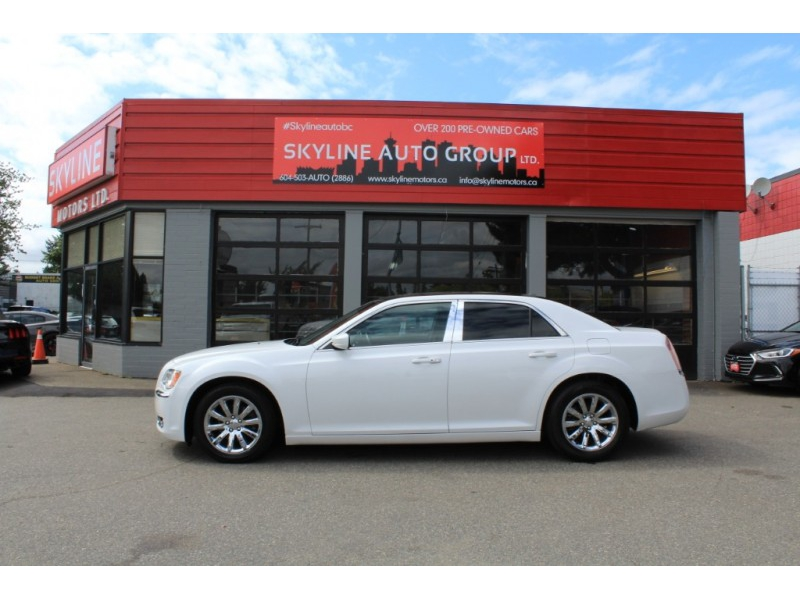 Chrysler 300 2013 price $14,889