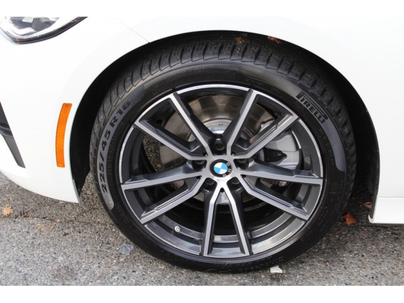 BMW 3-Series 2019 price $42,889