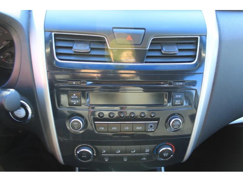 Nissan Altima 2015 price $12,889