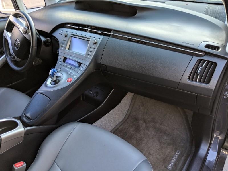 Toyota Prius 2015 price $13,499