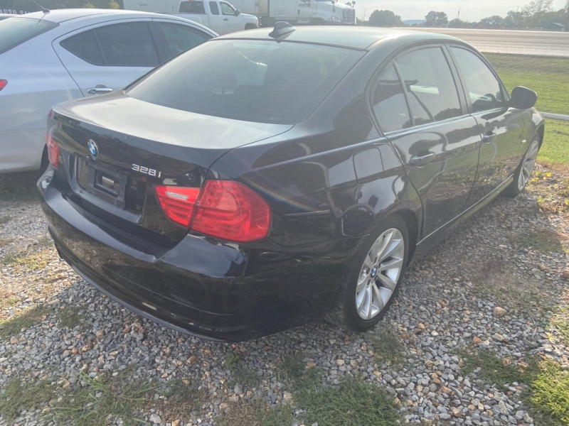 BMW 3-Series 2011 price $10,900