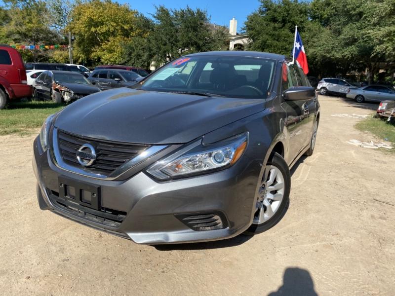 Nissan Altima 2017 price $3,500 Down