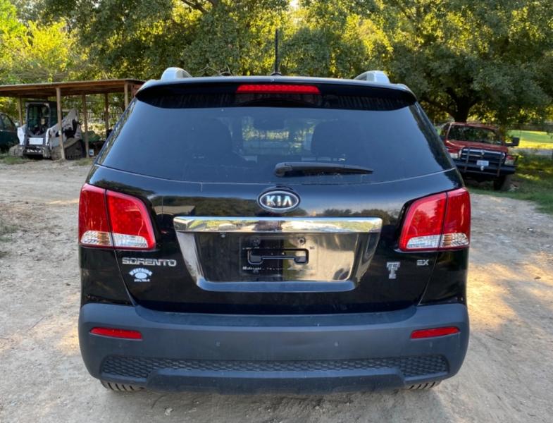 Kia Sorento 2011 price $9,800