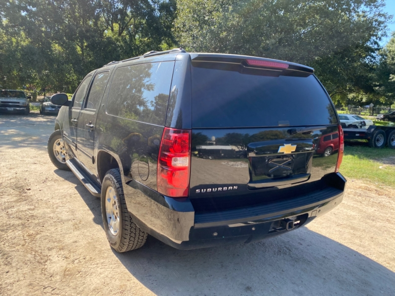 Chevrolet Suburban 2013 price $2,500 Down