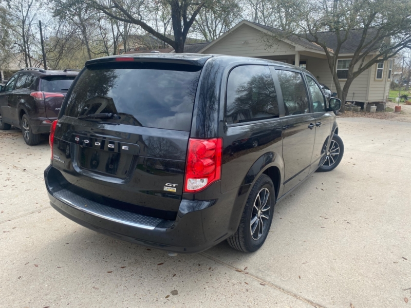 Dodge Grand Caravan 2019 price $4,000