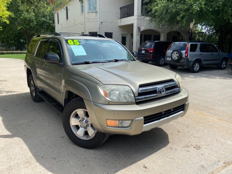 Toyota 4Runner 2005 price $1,500