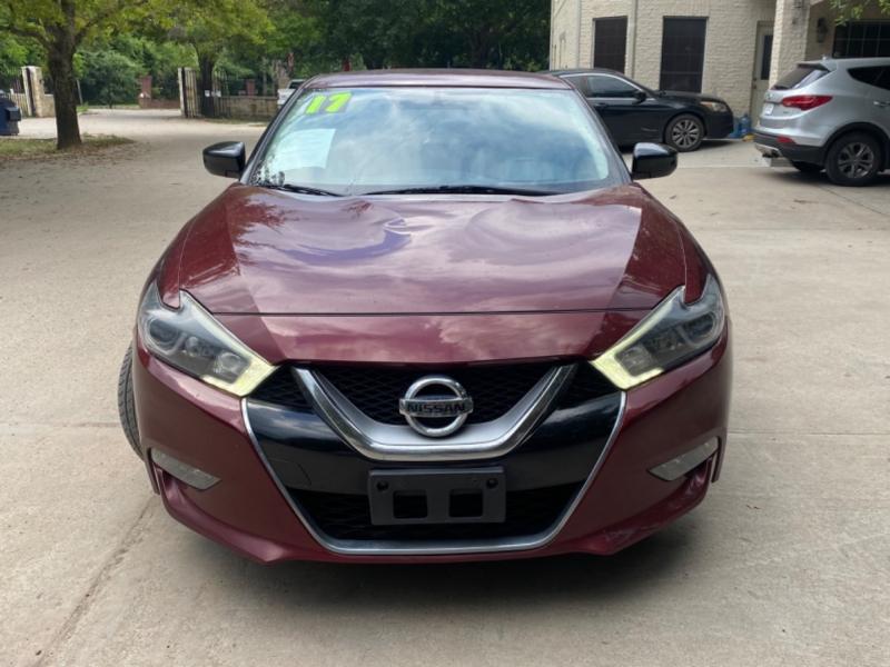 Nissan Maxima 2017 price $3,500