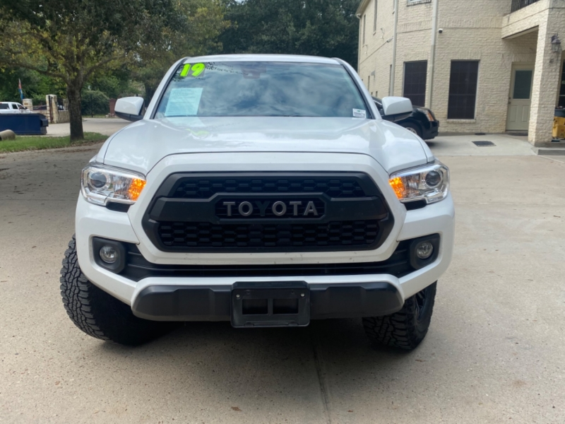 Toyota Tacoma 2WD 2019 price $8,000