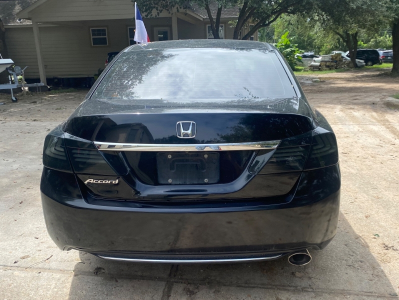Honda Accord Sedan 2015 price $3,000