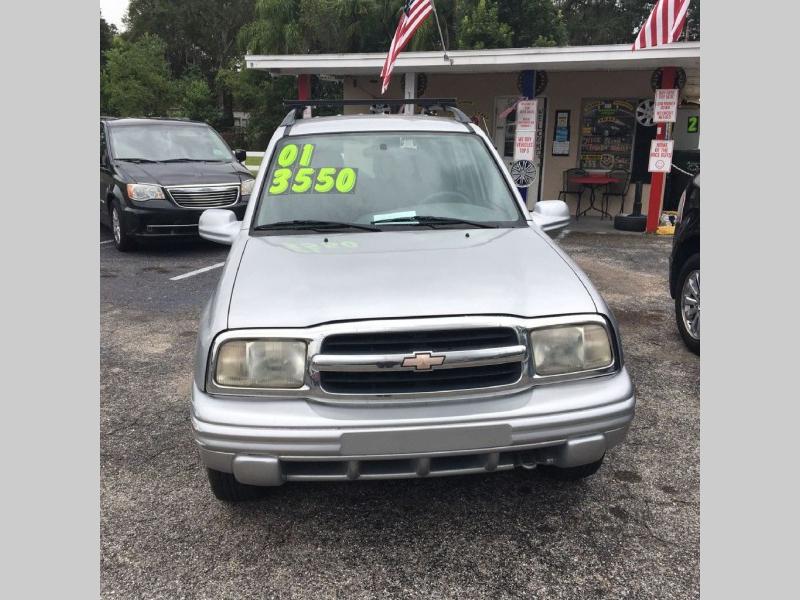 CHEVROLET TRACKER 2001 price $3,550