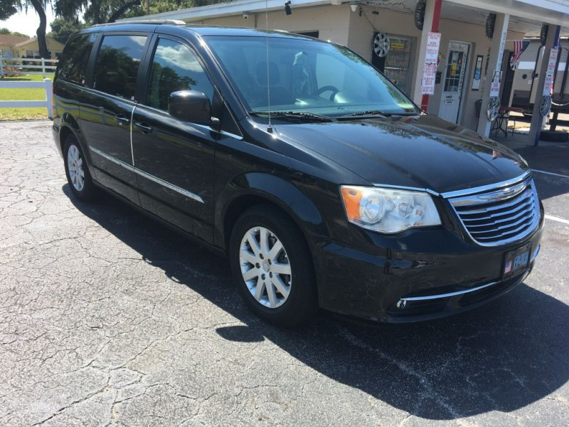 Chrysler TOWN & COUNTRY 2014 price $6,995