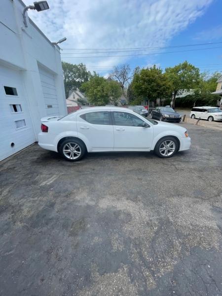 Dodge Avenger 2013 price $6,499