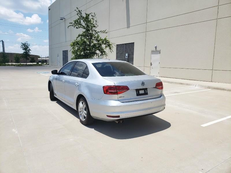Volkswagen Jetta Sedan 2015 price $6,400