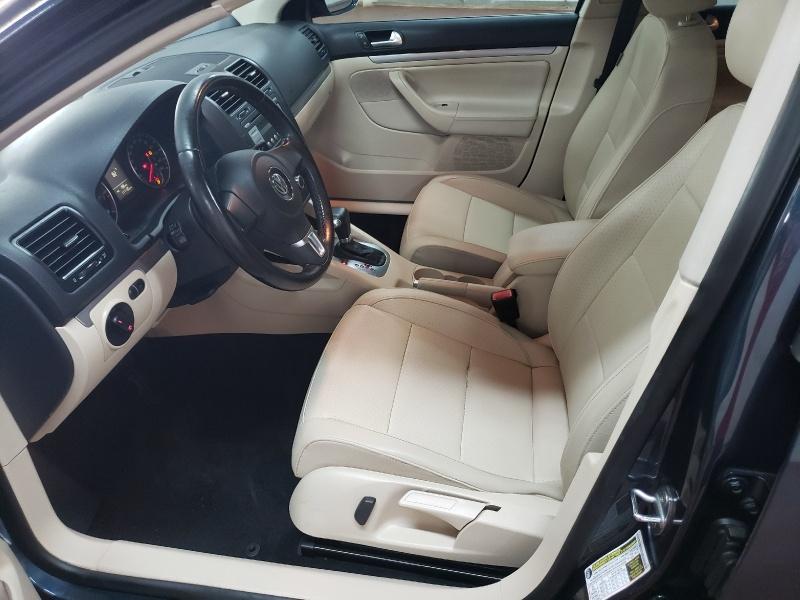 Volkswagen Jetta Sedan 2010 price $5,900