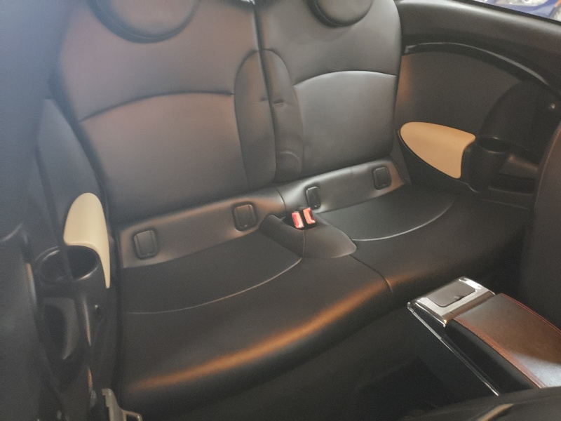 Mini Cooper Clubman 2011 price $6,900