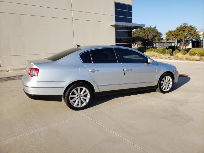 Volkswagen Passat Sedan 2010 price $6,400