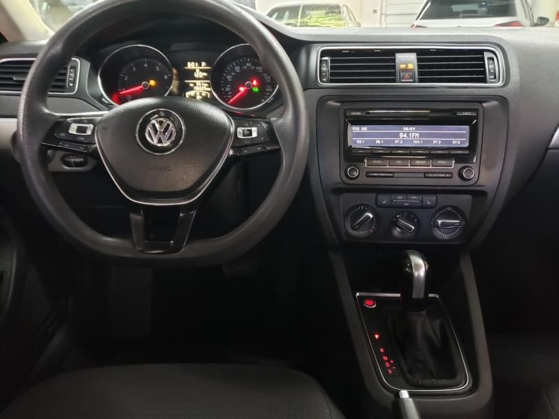 Volkswagen Jetta Sedan 2015 price $5,400