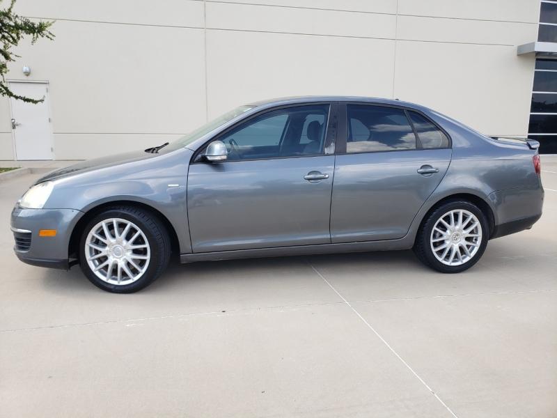 Volkswagen Jetta Sedan 2009 price $7,400