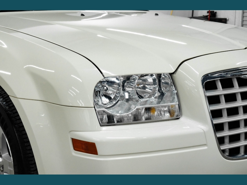 Chrysler 300 2007 price $10,999