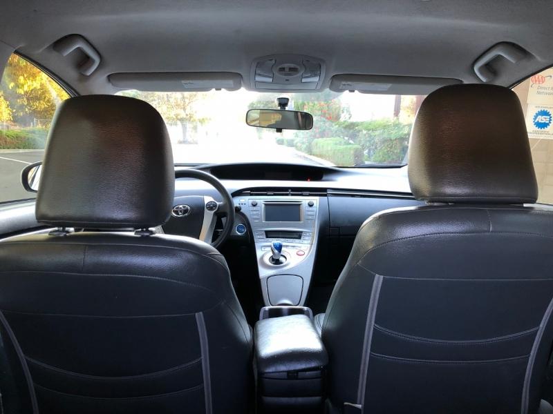 Toyota Prius 2012 price $9,995 Cash