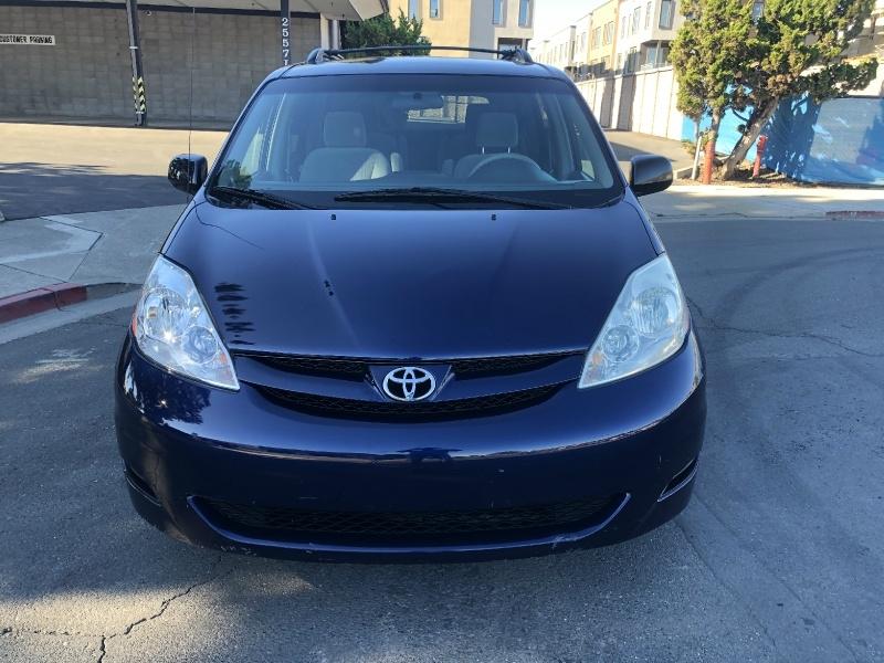 Toyota Sienna 2006 price $6,500 Cash