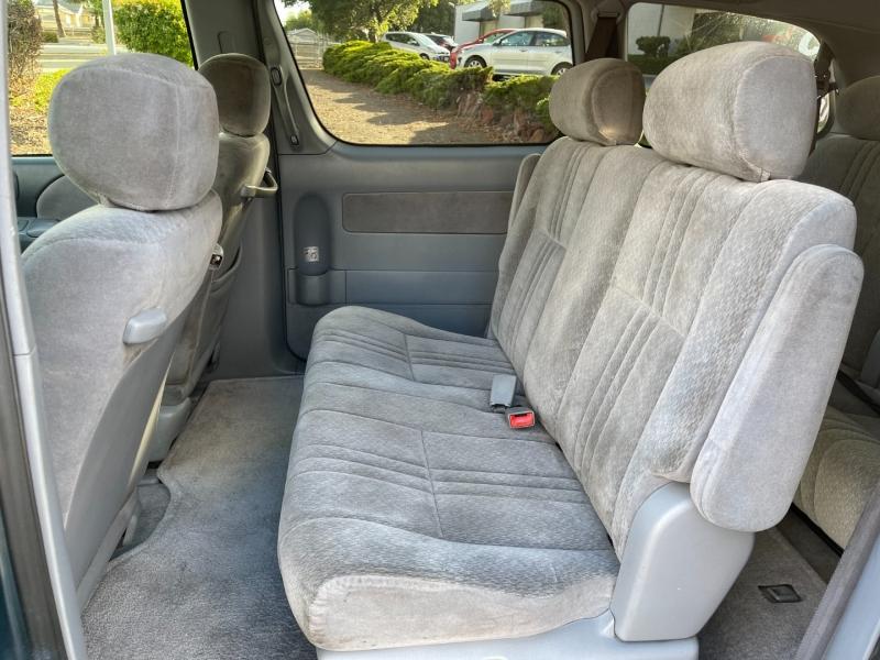 Toyota Sienna 2003 price $5,300