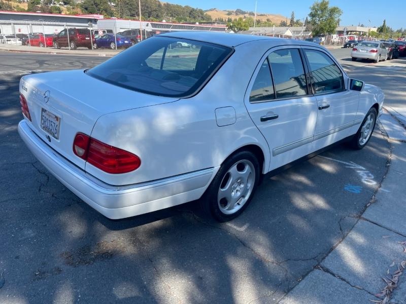 Mercedes-Benz E320 1997 price $5,500 Cash